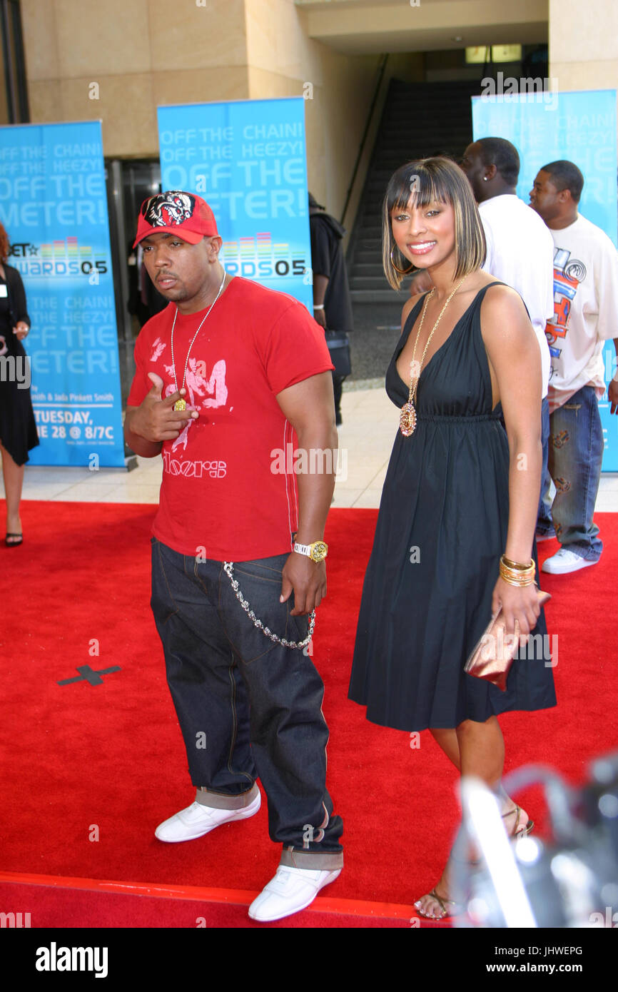 MUSIC PRODUCER TIMBALAND WITH R&B SINGER KERI HILSON AT 2005 BET AWARDS RED CARPET KODAK THEATRE