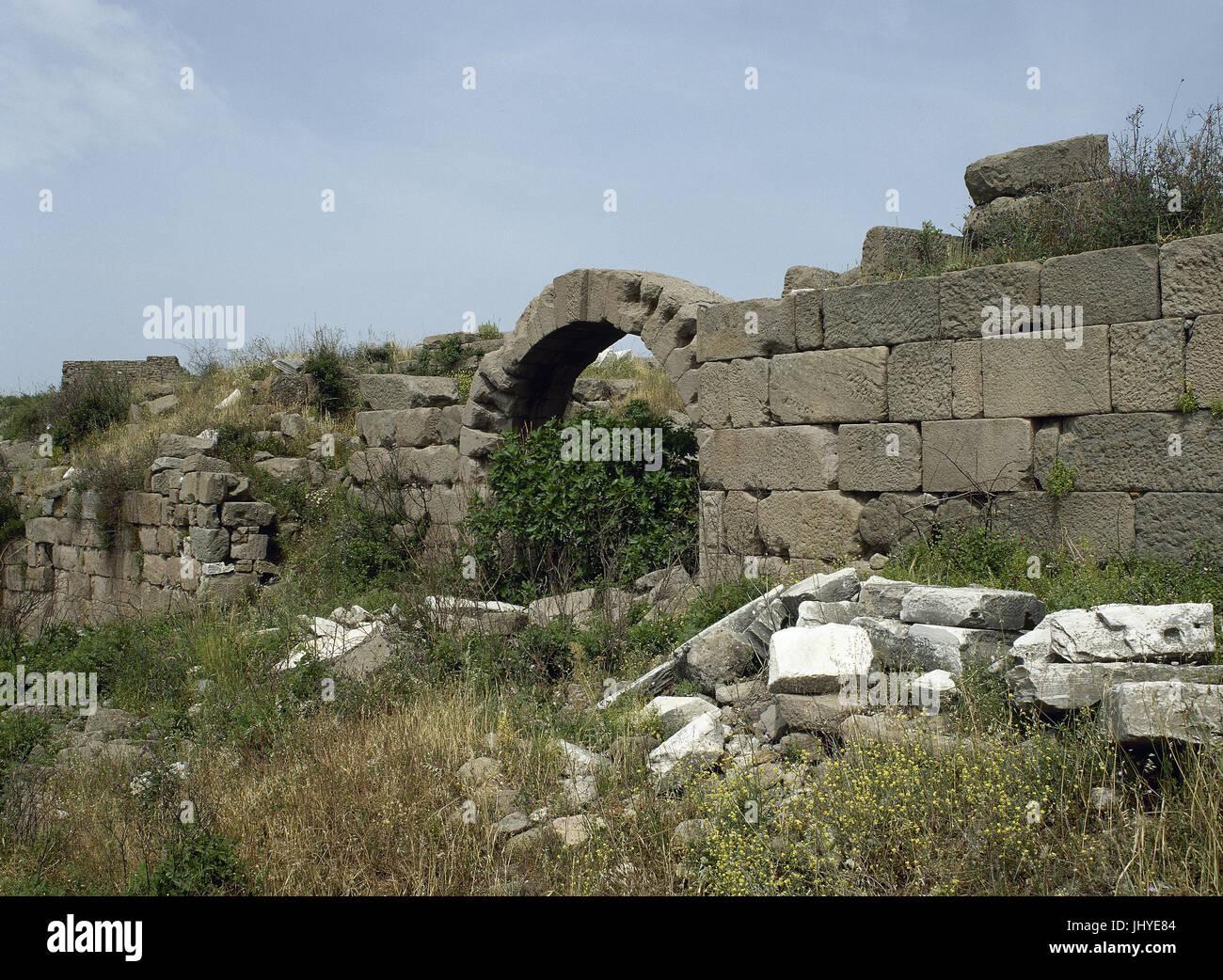 Turkey. Pergamon. Ancient Greek city in Aeolis. Walls. Acropolis area. Anatolia. - Stock Image
