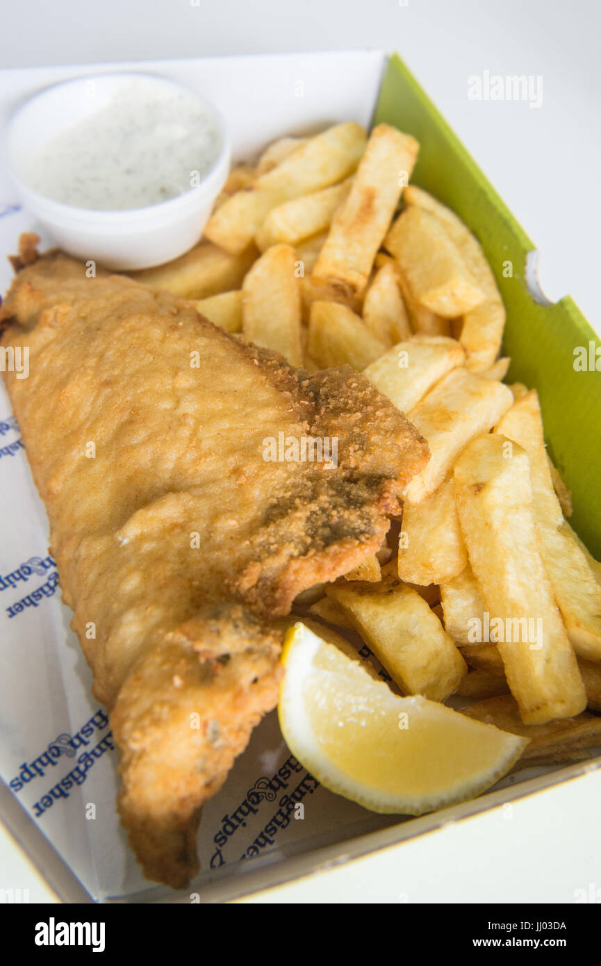 Copyrighted Image by Paul Slater/PSI -  Traditional British Food - Fish and Chips and Mushy Peas. - Stock Image