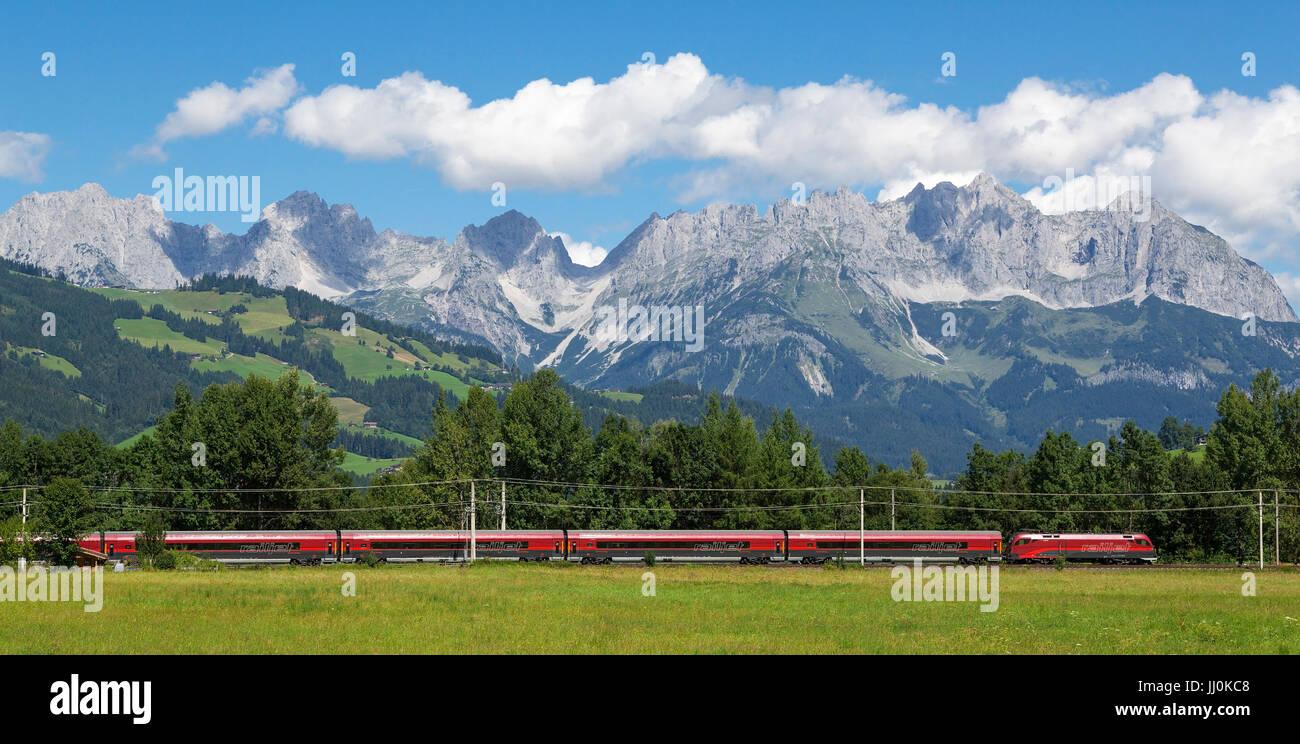 Train with Gundhabing, Kitzb?hel, Tyrol, Austria, Train near Kitzb?hel, Tyrol, Austria, Zug bei Gundhabing, Kitzbühel, - Stock Image