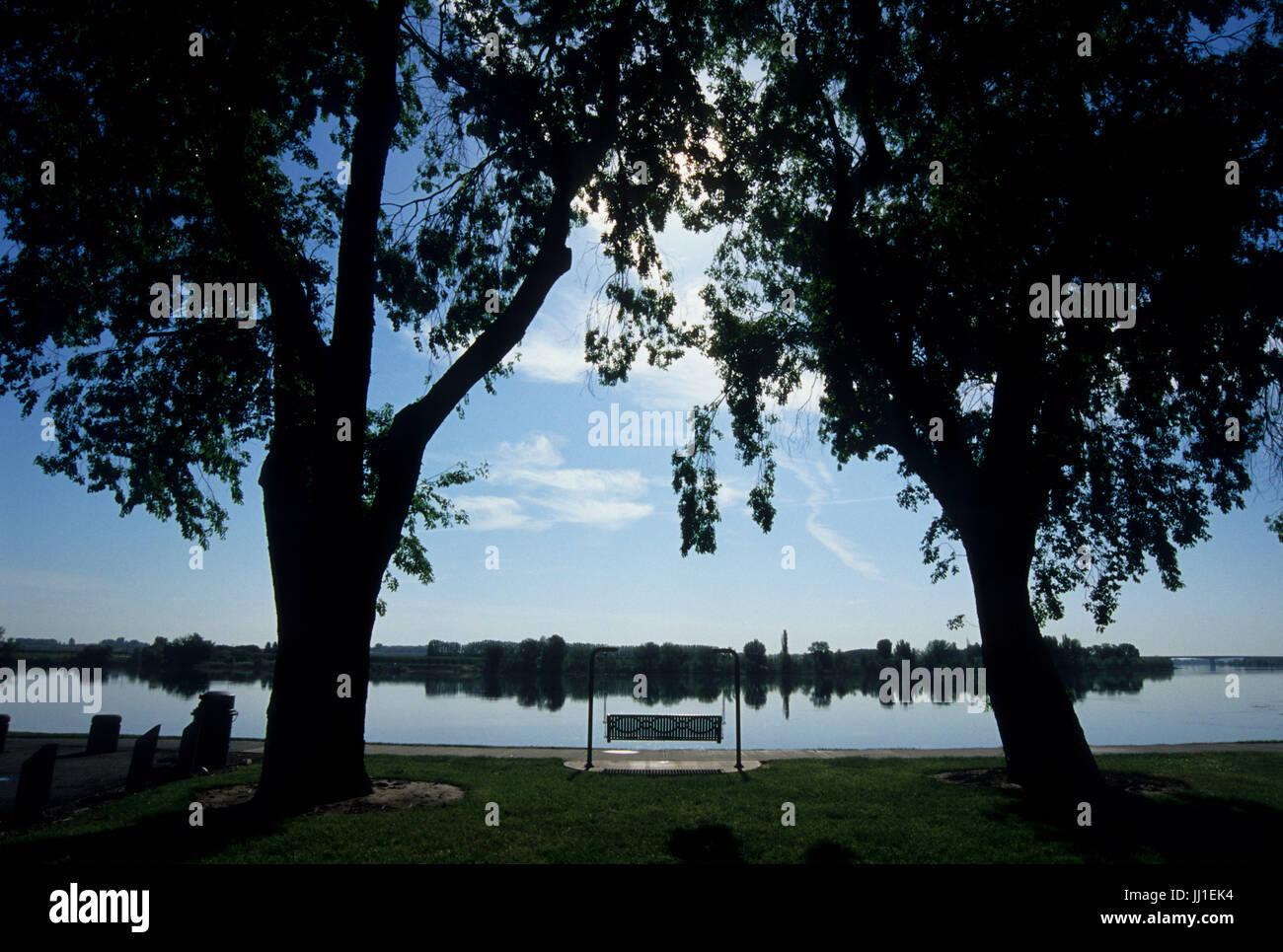 Swinging bench, Howard Anon Park, Richland, Washington - Stock Image