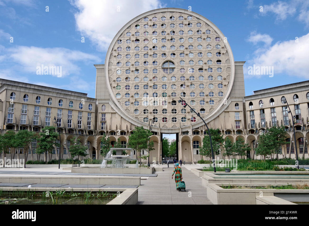 Les Arenes de Picasso, Housing development, aka Les Camemberts, West wing, viewed from within octagonal courtyard Stock Photo