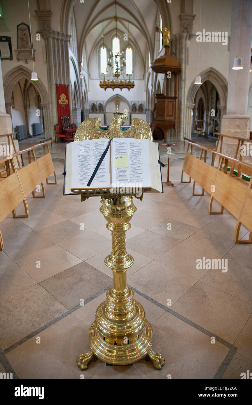 England, Hampshire, Portsmouth, Interior of the Cathedral in the old part of town. - Stock Image