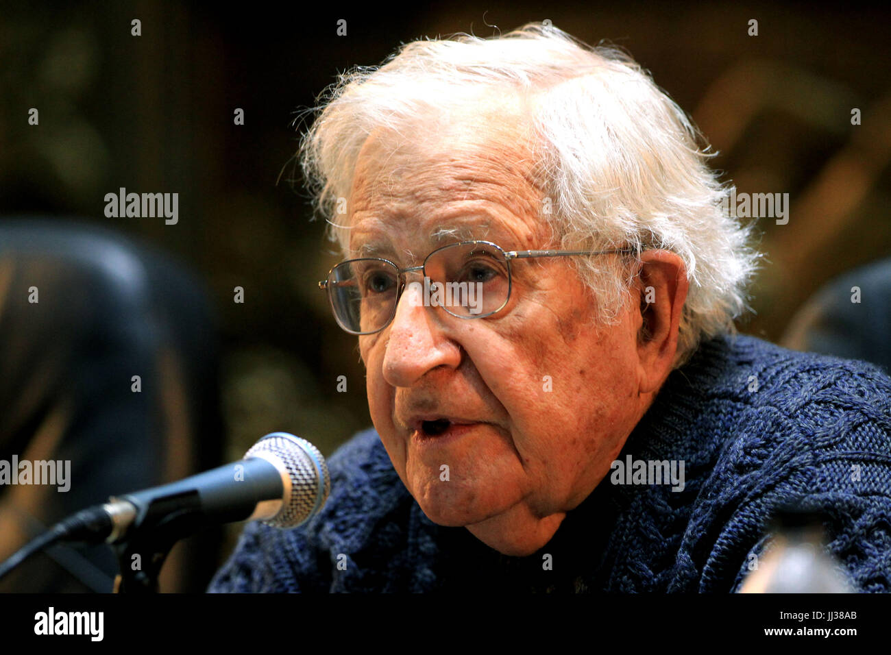 Montevideo, Uruguay. 17th Jul, 2017. US intellectual Noam Chomsky takes part in the conference 'The Challenges - Stock Image