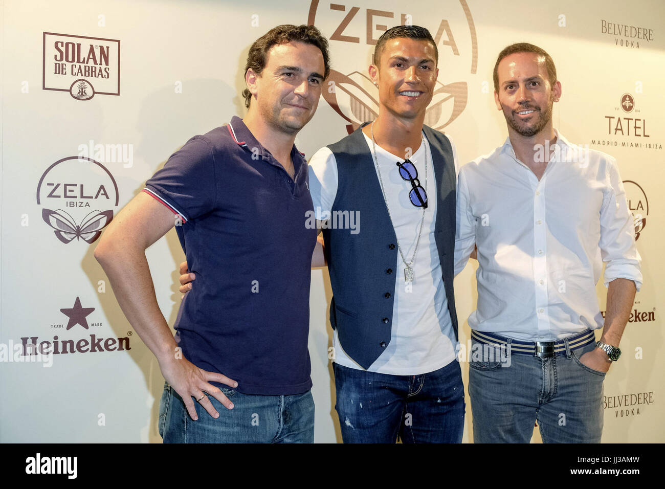 At The Owners Party Of The Restaurant Zela Property Of Pau Gasol Rafa Nadal Enrique Iglesias Abel Mateus Prats L And Manuel Campos Guallar R