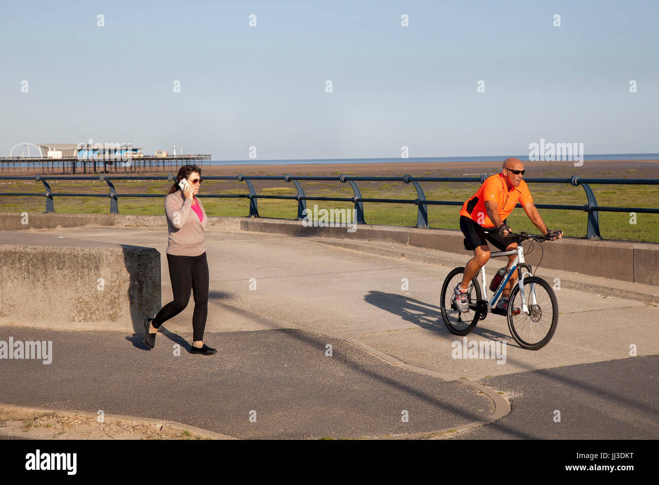 Southport, Merseyside.  UK Weather.  18th July, 2017. Sunny start to the day at the coast with a forecast of higher Stock Photo