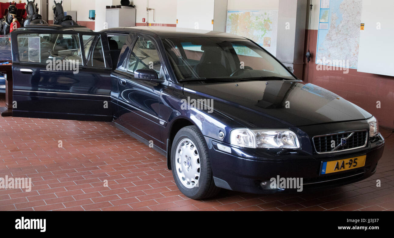 extended volvo s80 of princess beatrix summer opening 2017 of the