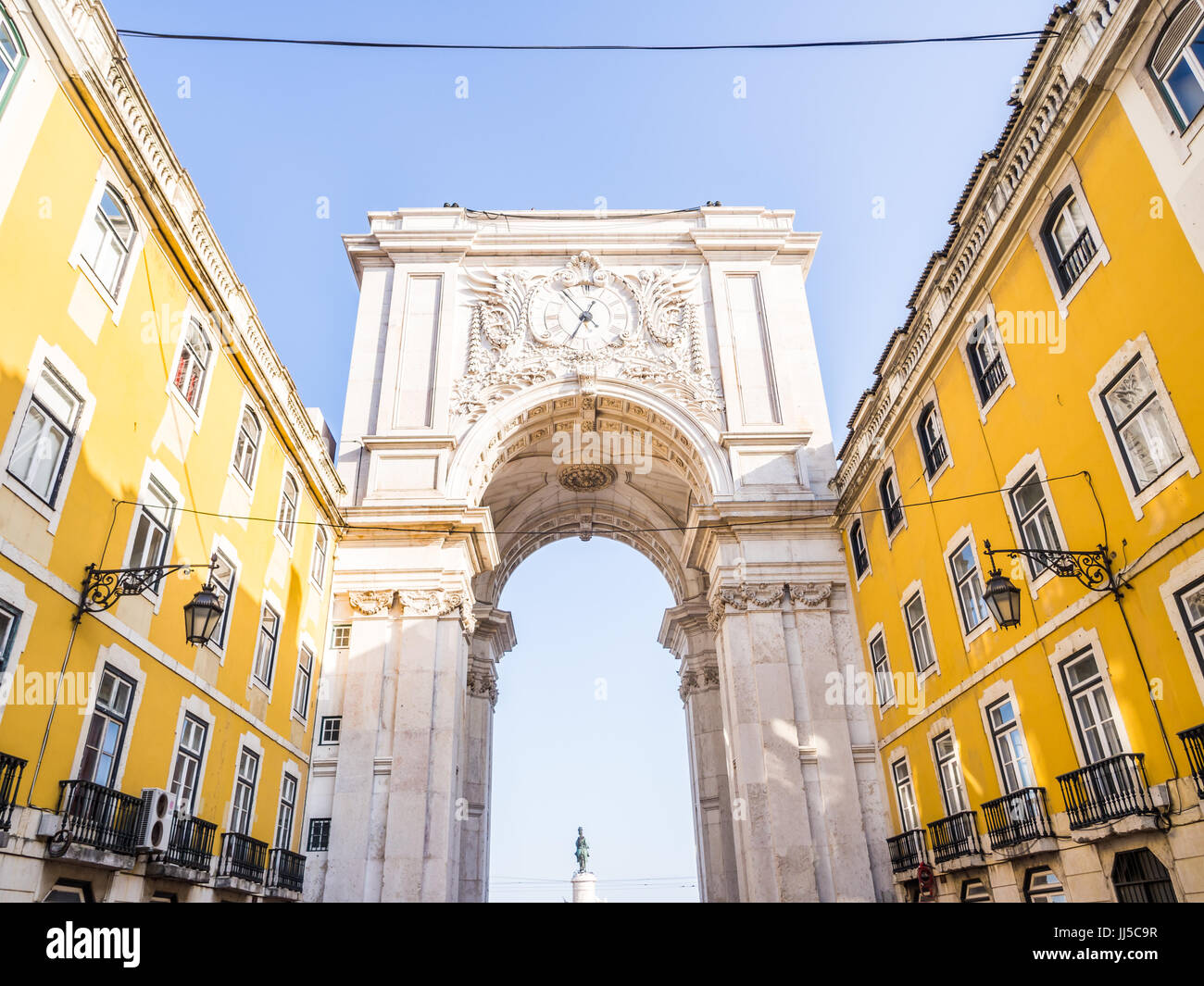 The Rua Augusta Arch, a triumphal arch-like, historical building in Lisbon, Portugal, on the Praca do Comércio. - Stock Image