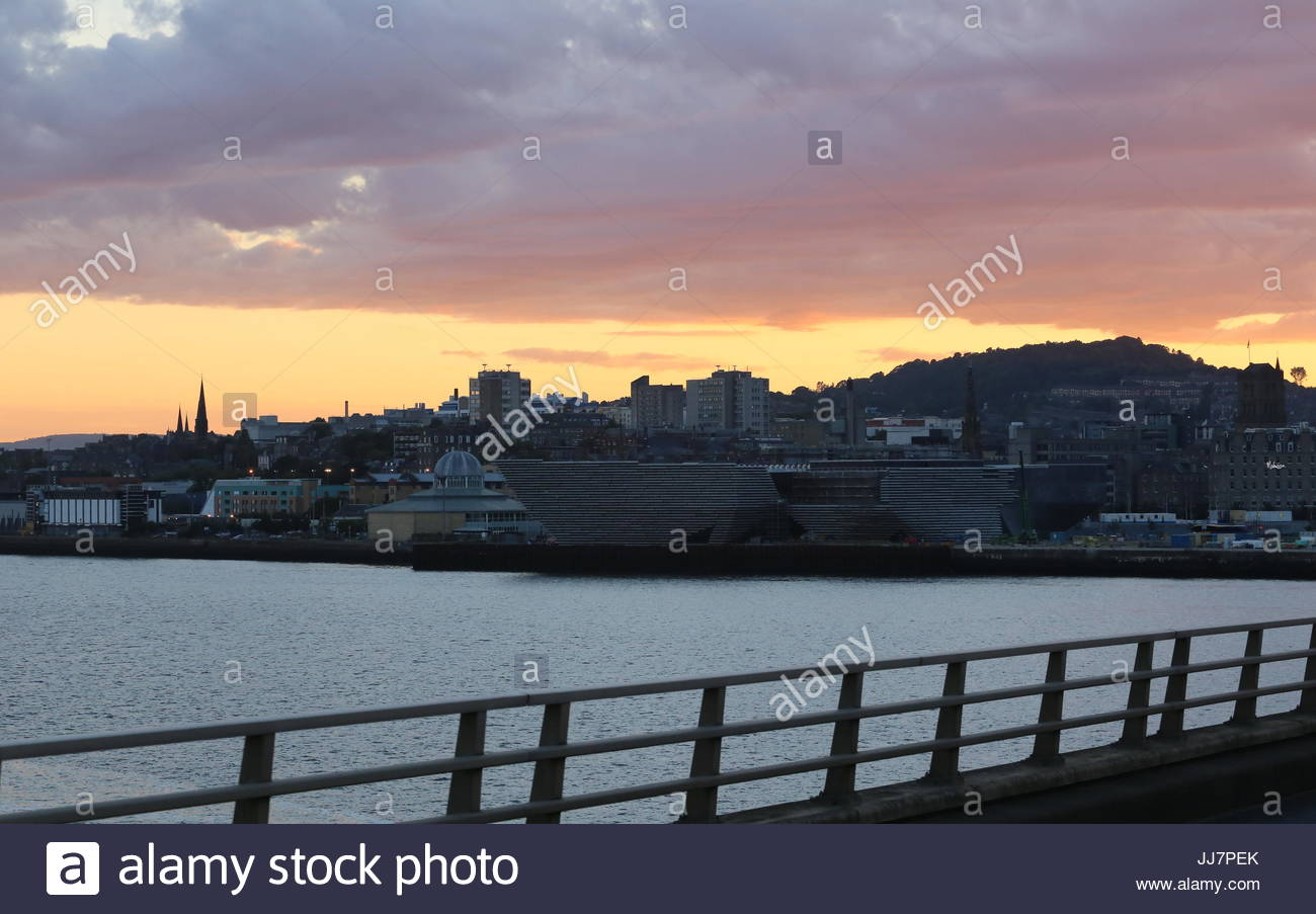 Dundee cityscape at sunset Scotland  July 2017 - Stock Image