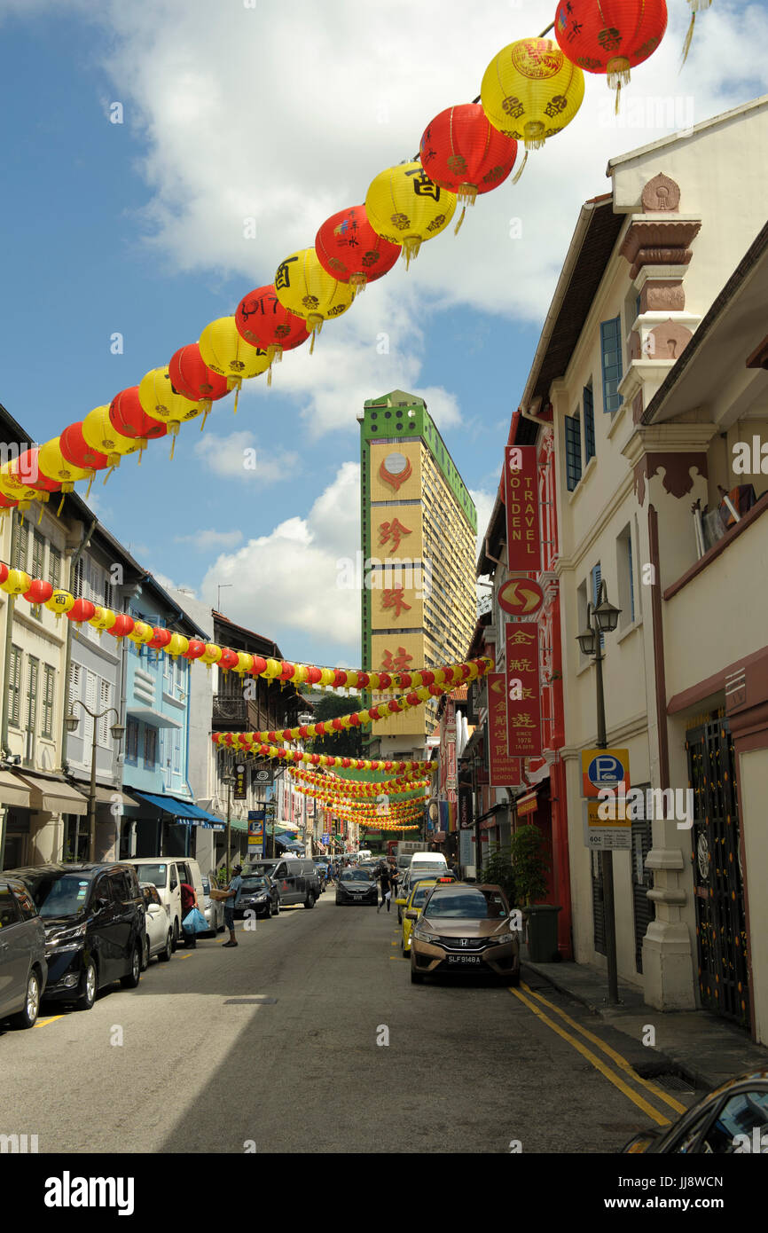 View looking north-west along Temple Street, Chinatown, Singapore Stock Photo