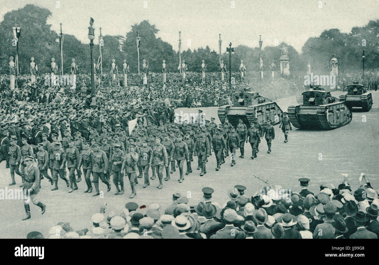 Tank Corps & tanks Victory parade, 1919 - Stock Image