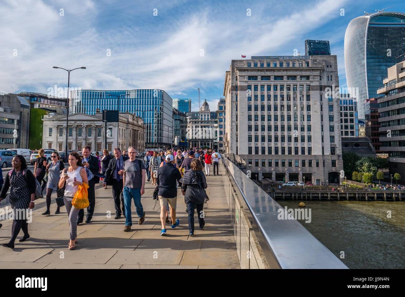 Commuters, London Bridge, London, England Stock Photo