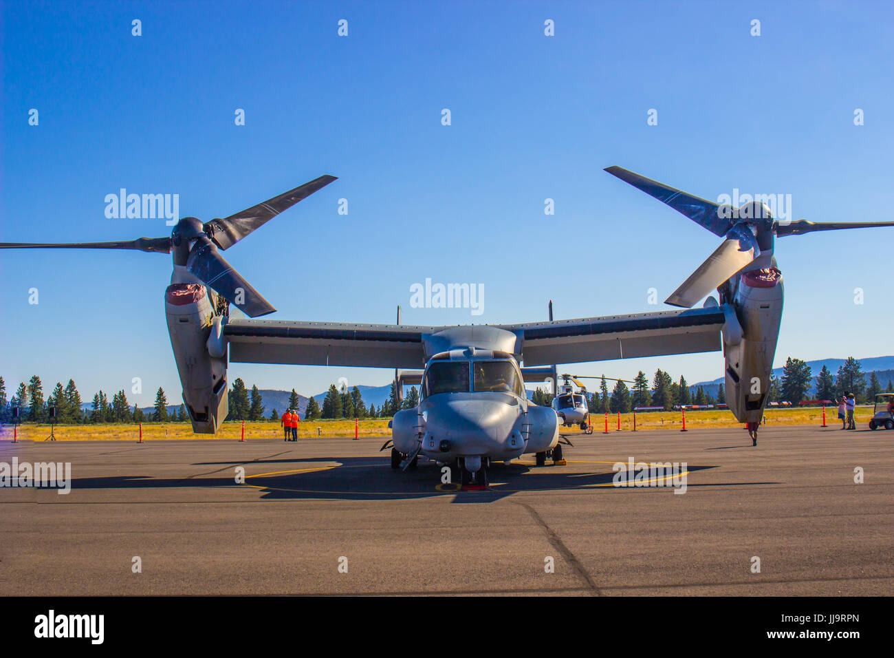 Adjustable Wings & Propellers On Cargo Plane - Stock Image