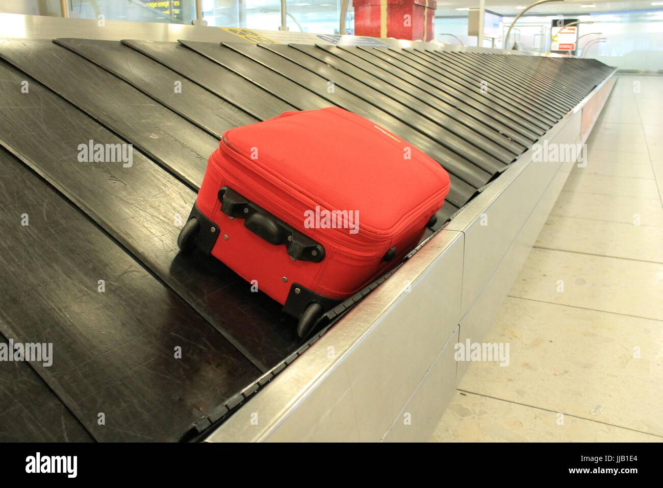 Airport Luggage Carousel Stock Photos Amp Airport Luggage