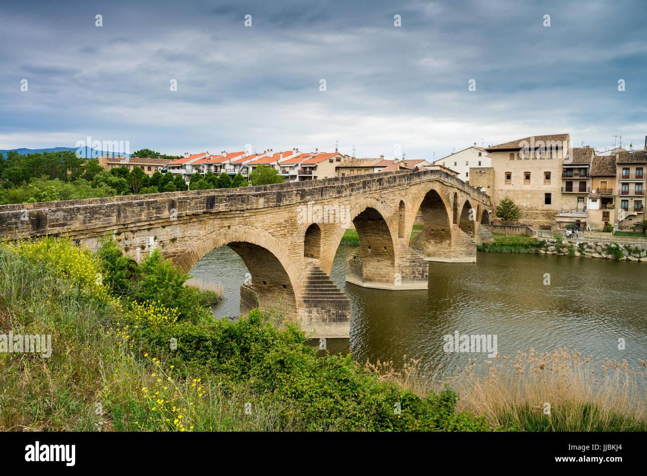 Romanesque bridge (Puente Románico)  in Puente la Reina, Navarre, Spain. - Stock Image