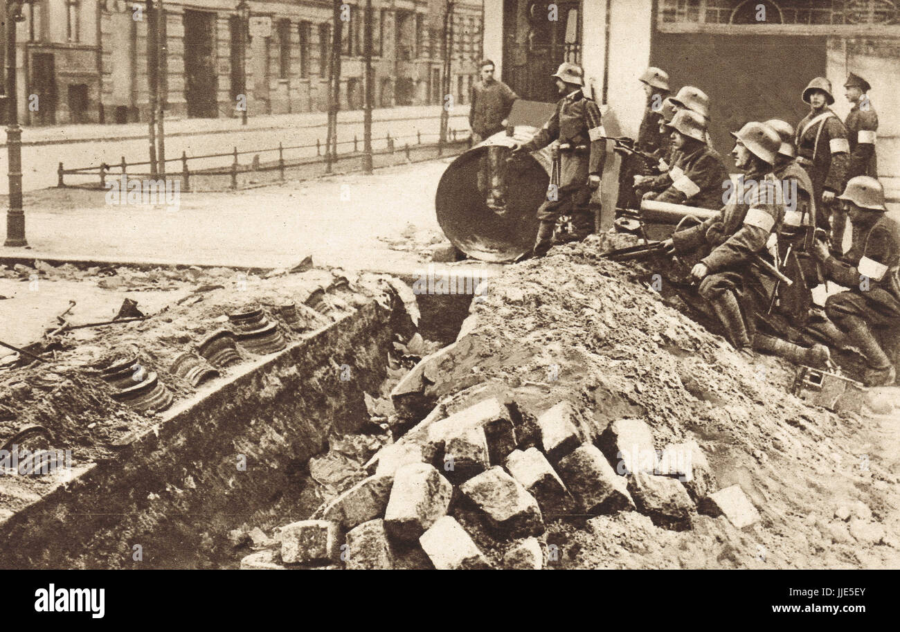 Spartacist trench captured, Berlin, 1919 - Stock Image