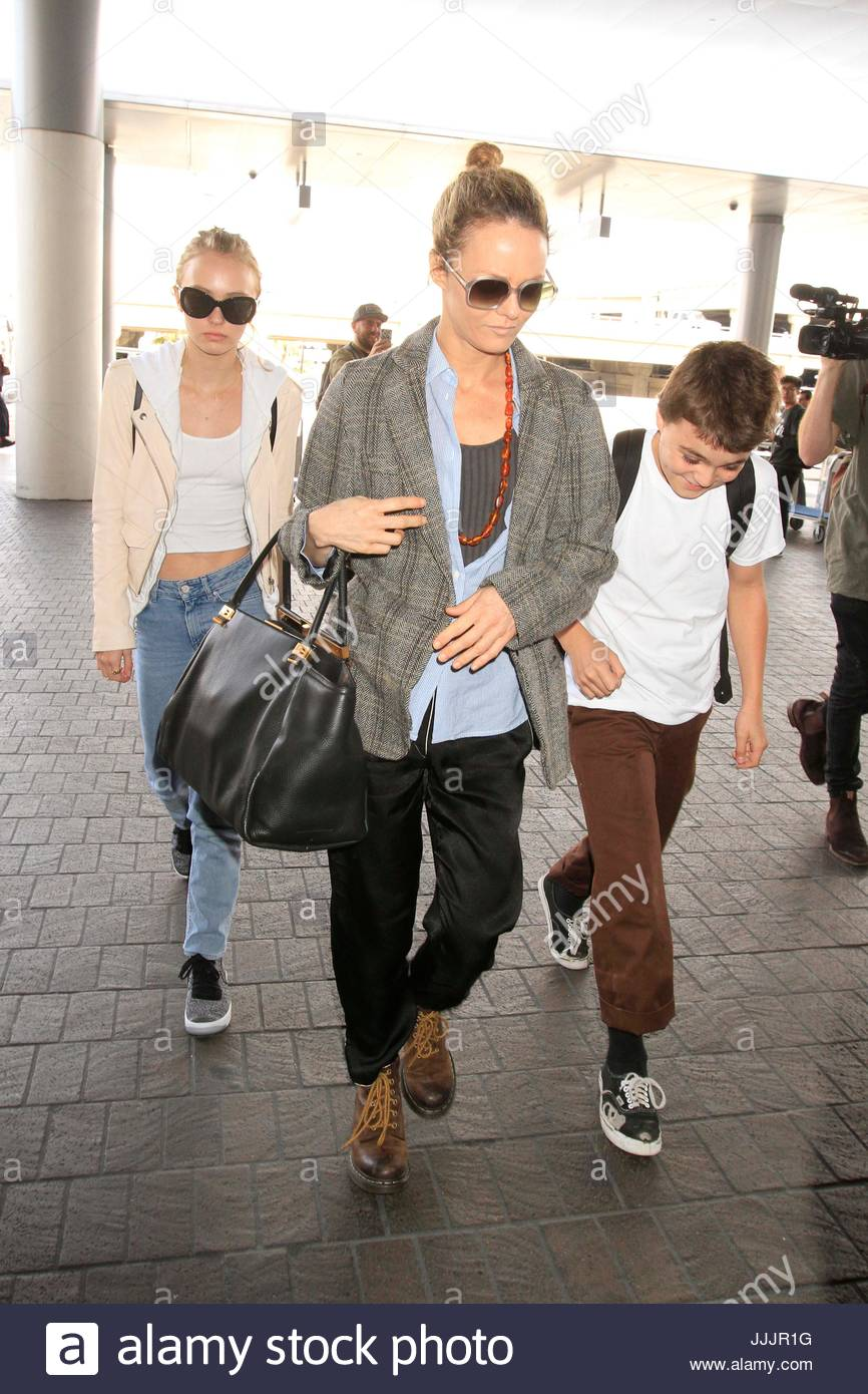 Johnny Depp John Christopher Depp Iii >> Vanessa Paradis, Lily-Rose Melody Depp, John Christopher Depp III Stock Photo: 149159964 - Alamy