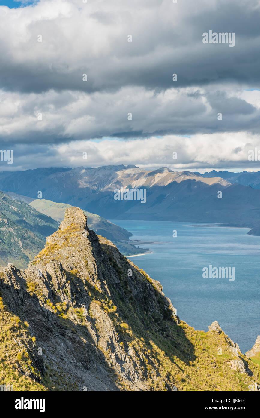 Lake Hawea and mountain panorama, Isthmus Peak Track, Otago, South Island, New Zealand, Oceania - Stock Image