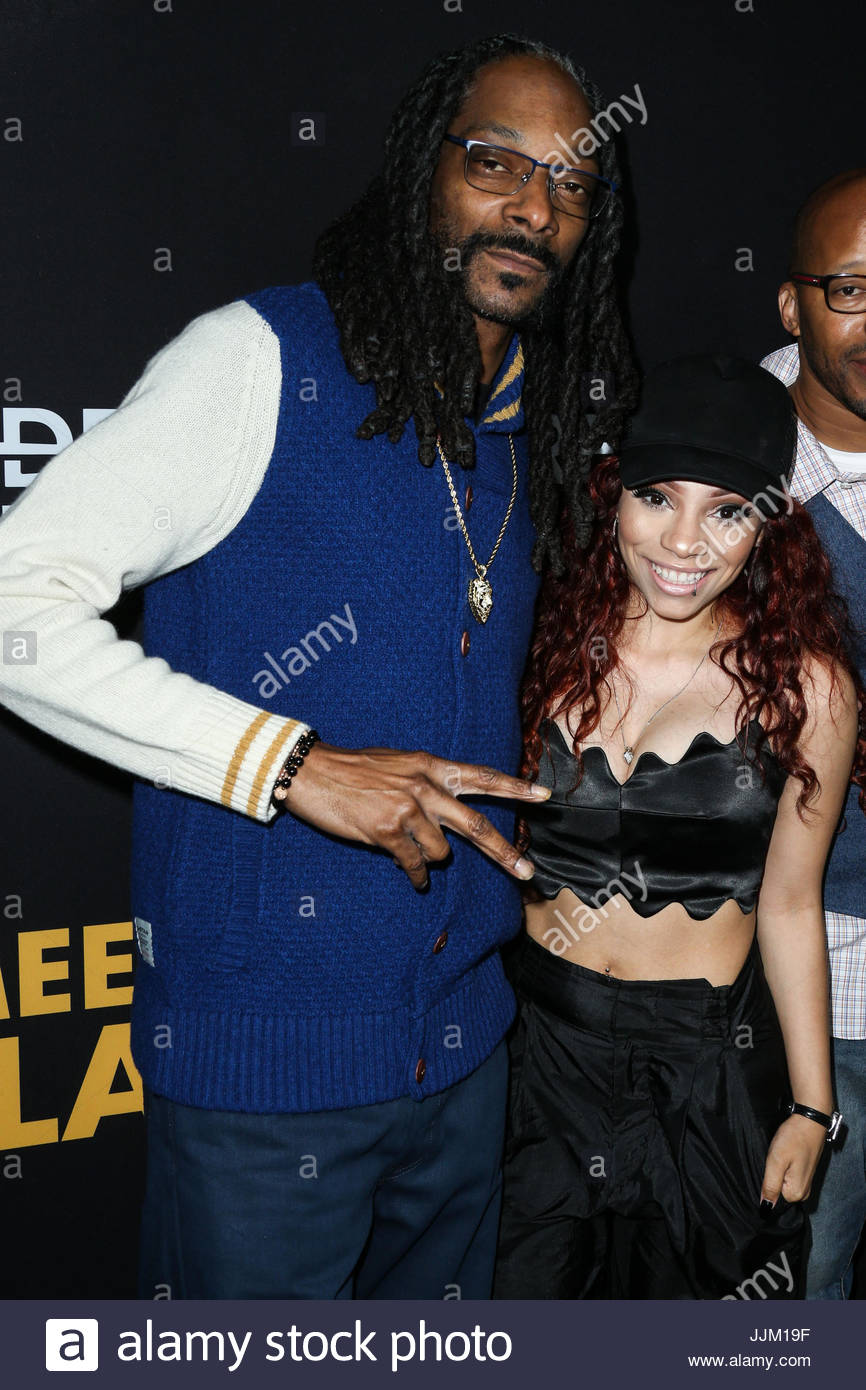 Snoop dogg erin bria wright celebrities at los angeles premiere of celebrities at los angeles premiere of freestyle releasings meet the blacks held at arclight cinemas hollywood in hollywood m4hsunfo