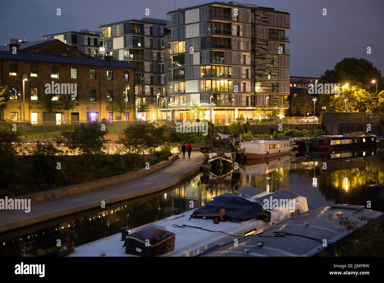 Grand Union Canal, King's Cross at night - Stock Image