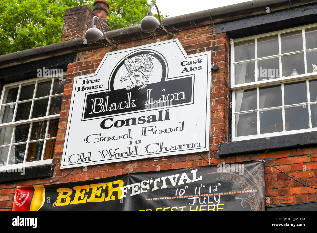 Black Lion public house at Consall, there are no public roads leading to it. Access is on foot, via the canal towpath, - Stock Image