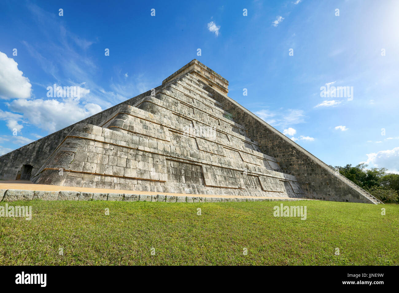 Great Ball Court and Temple of the Bearded Man, Chichen Itza, Mexico - Stock Image