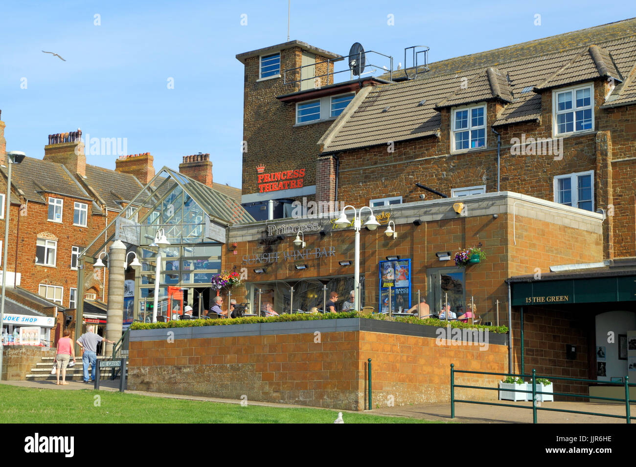Princess Theatre, Terrace Bar, Sunset Wine Bar, Hunstanton, Norfolk, England, UK - Stock Image