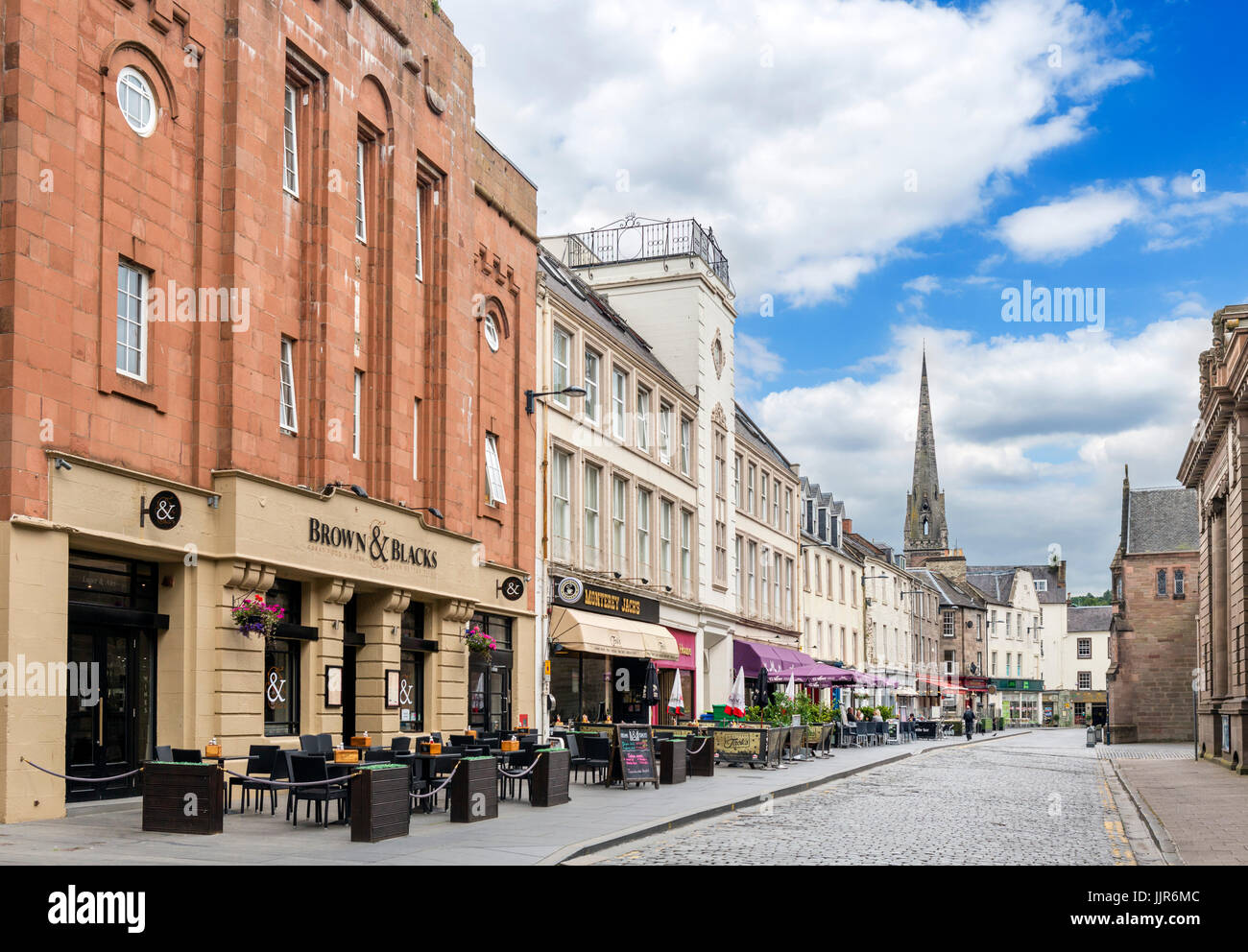 Bars and restaurants on St John's Place in the town centre, Perth, Scotland, UK - Stock Image