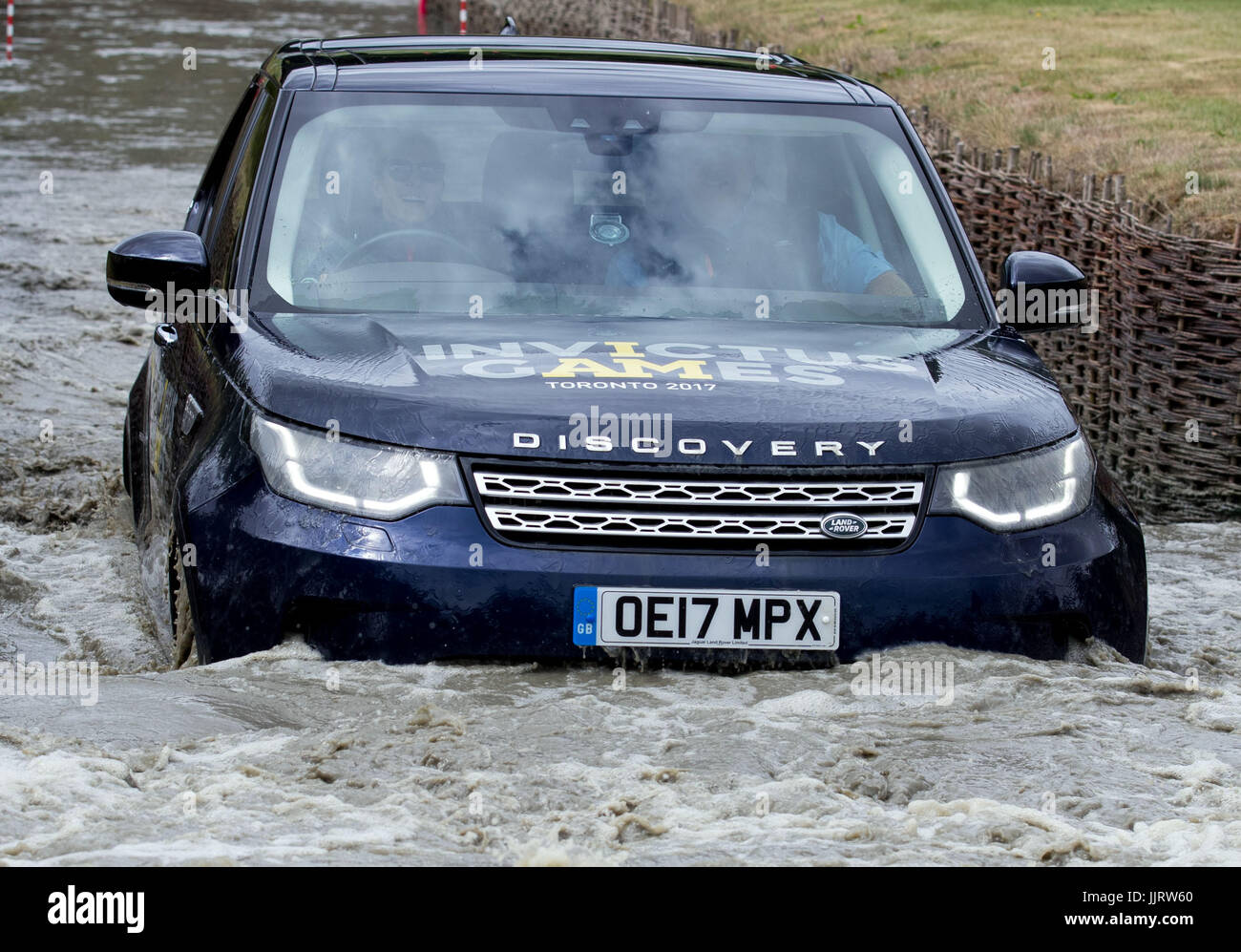 range rover driving games