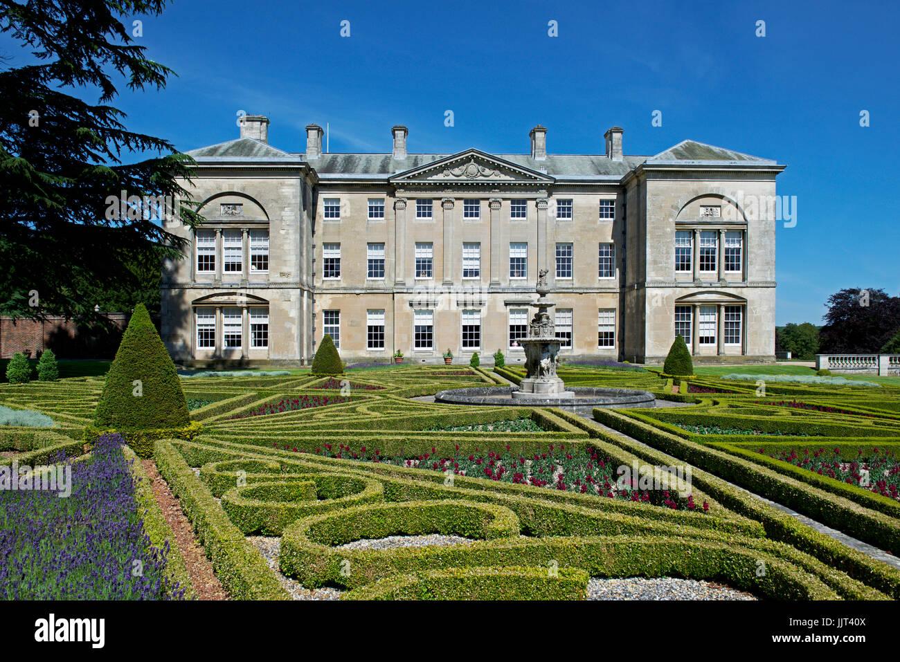 Sledmere House, East Yorkshire, England UK Stock Photo: 149276762