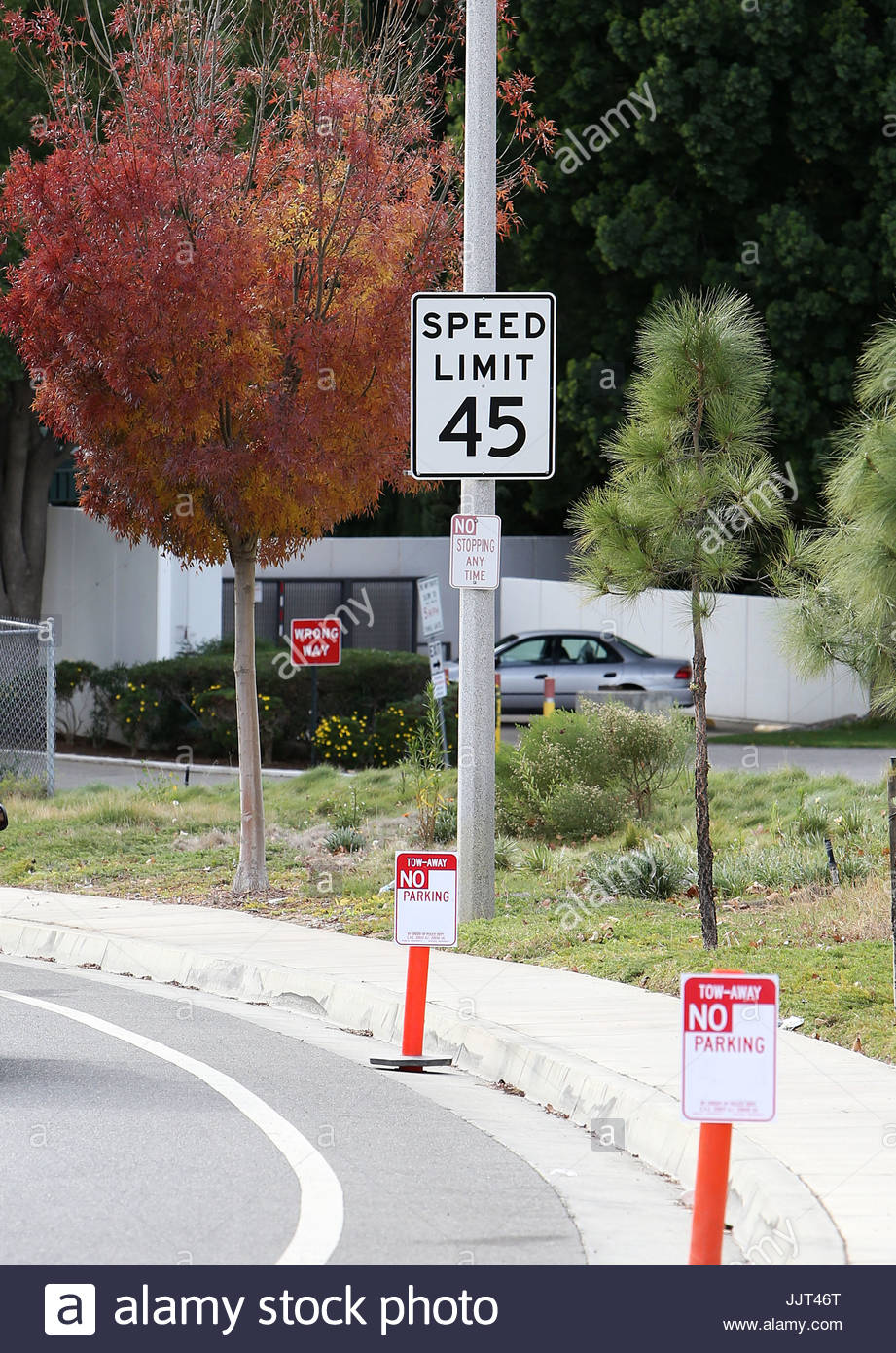 gv general view the 45 mph speed signs and tire marks at the paul
