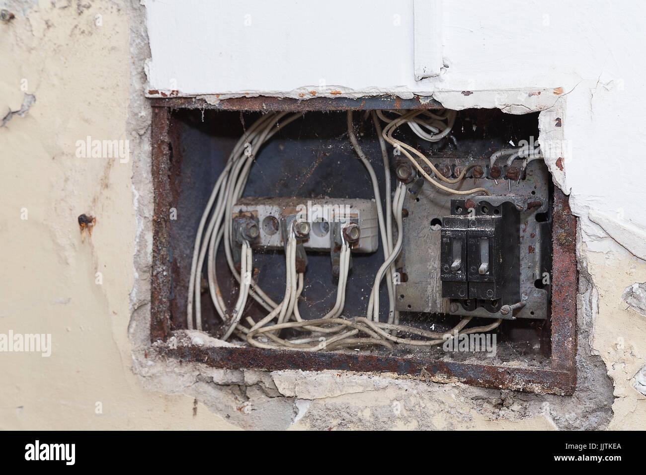 Miraculous Old Wiring Block Basic Electronics Wiring Diagram Wiring 101 Cranwise Assnl