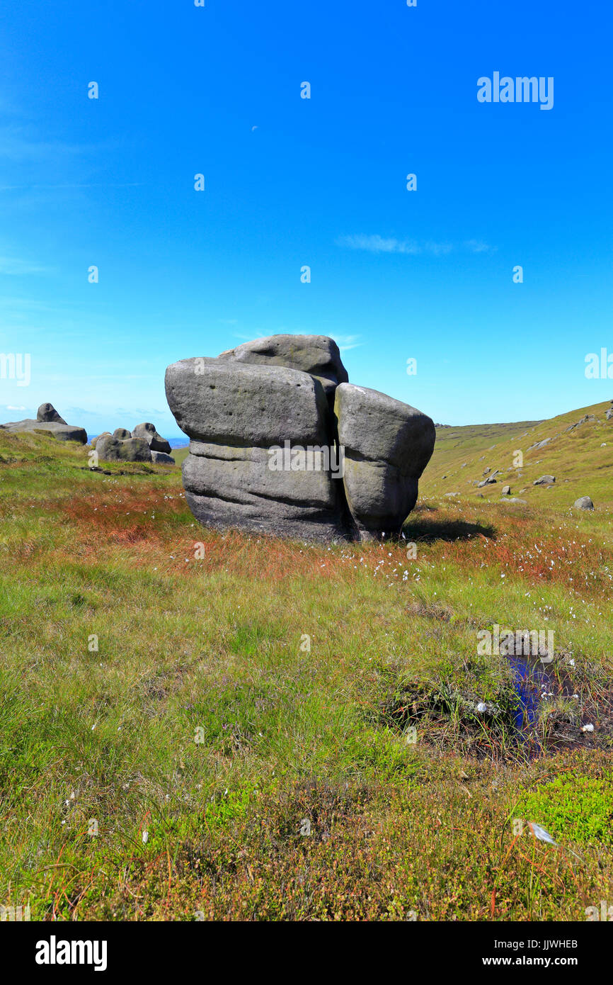 The Woolpacks on the southern edge of Kinder Scout, Derbyshire, Peak District National Park, England, UK. - Stock Image