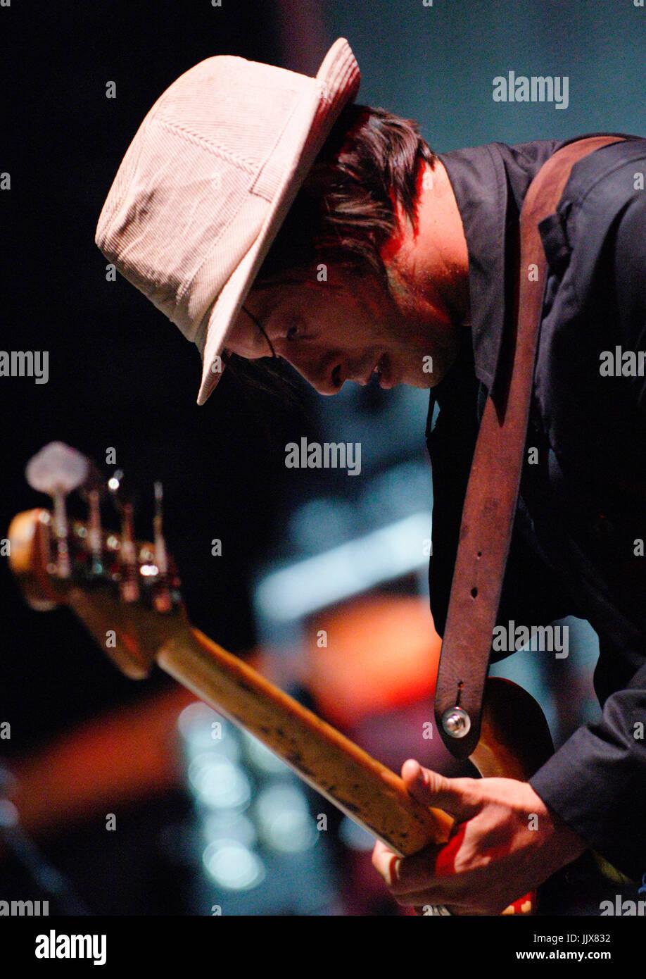 Simon Jones Verve performing 2008 Coachella festival Indio. Stock Photo