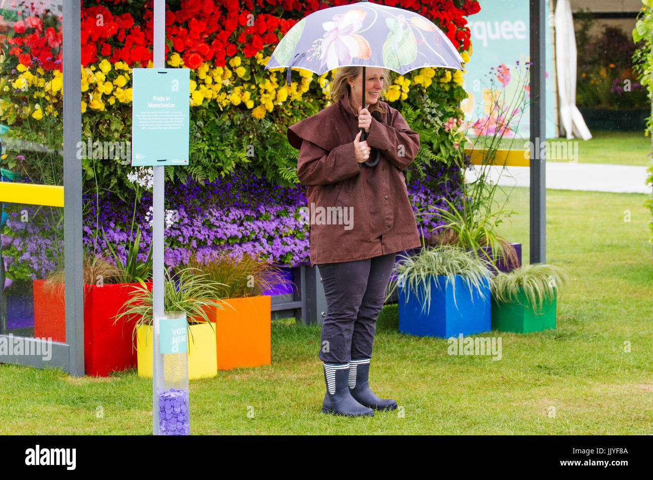 Knutsford Cheshire, UK. 21st July, 2017. UK Weather. Heavy rain, and prolonged showers expected, for Ladies Day Stock Photo