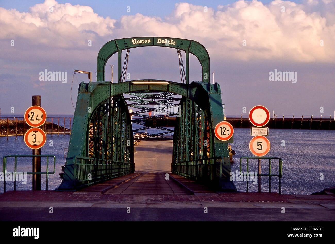 """""""Nassau bridge to WILHELMSHAVEN in winter-bright. Nassau jetty on a winterday; WILHELMSHAVEN."""", nassau-bruecke zu Stock Photo"""