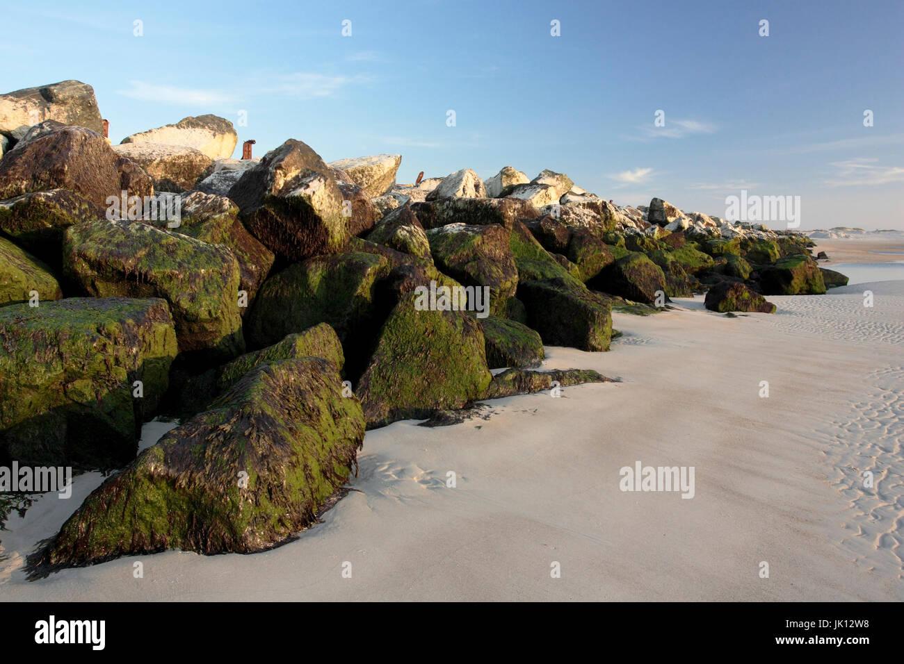 Breakwater on the dune Helgoland on the north beach, Wellenbrecher auf der Düne Helgoland am Nordstrand - Stock Image