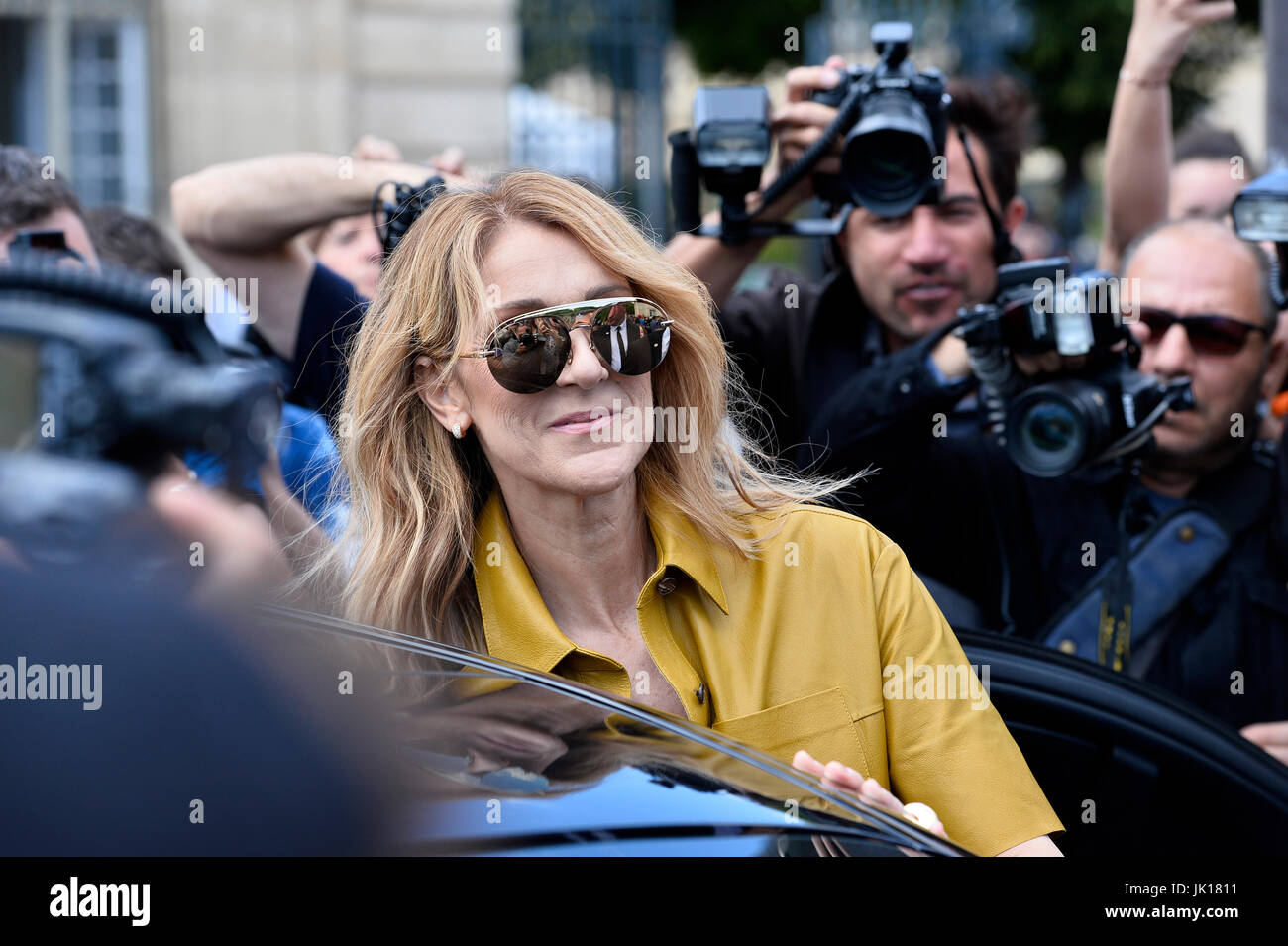 3738dcde65f Celine Dion Stock Photos   Celine Dion Stock Images - Alamy