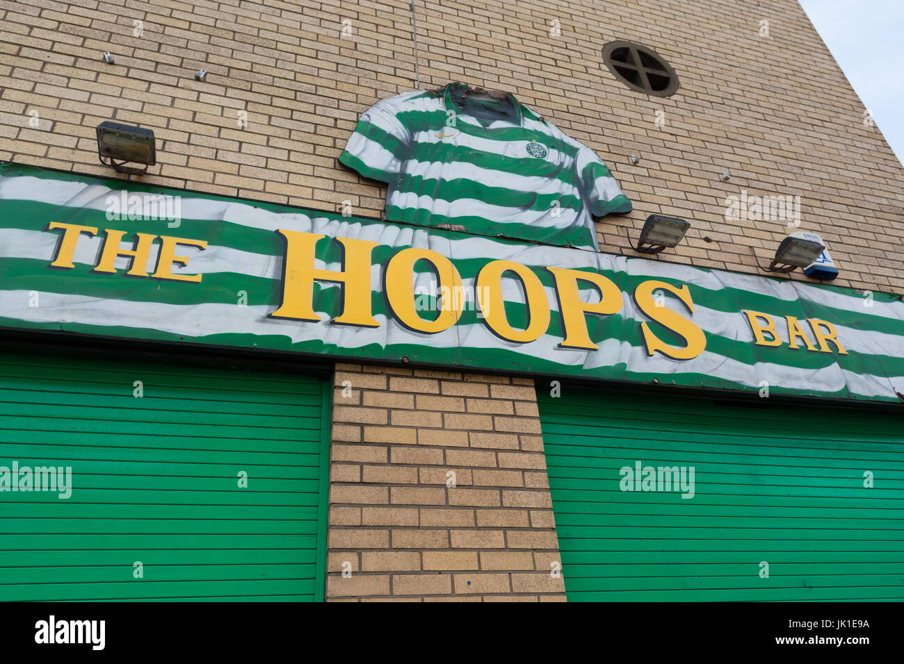 Celtic supporters pub bar in Glasgow - The Hoops Bar in Gallowgate - Stock Image