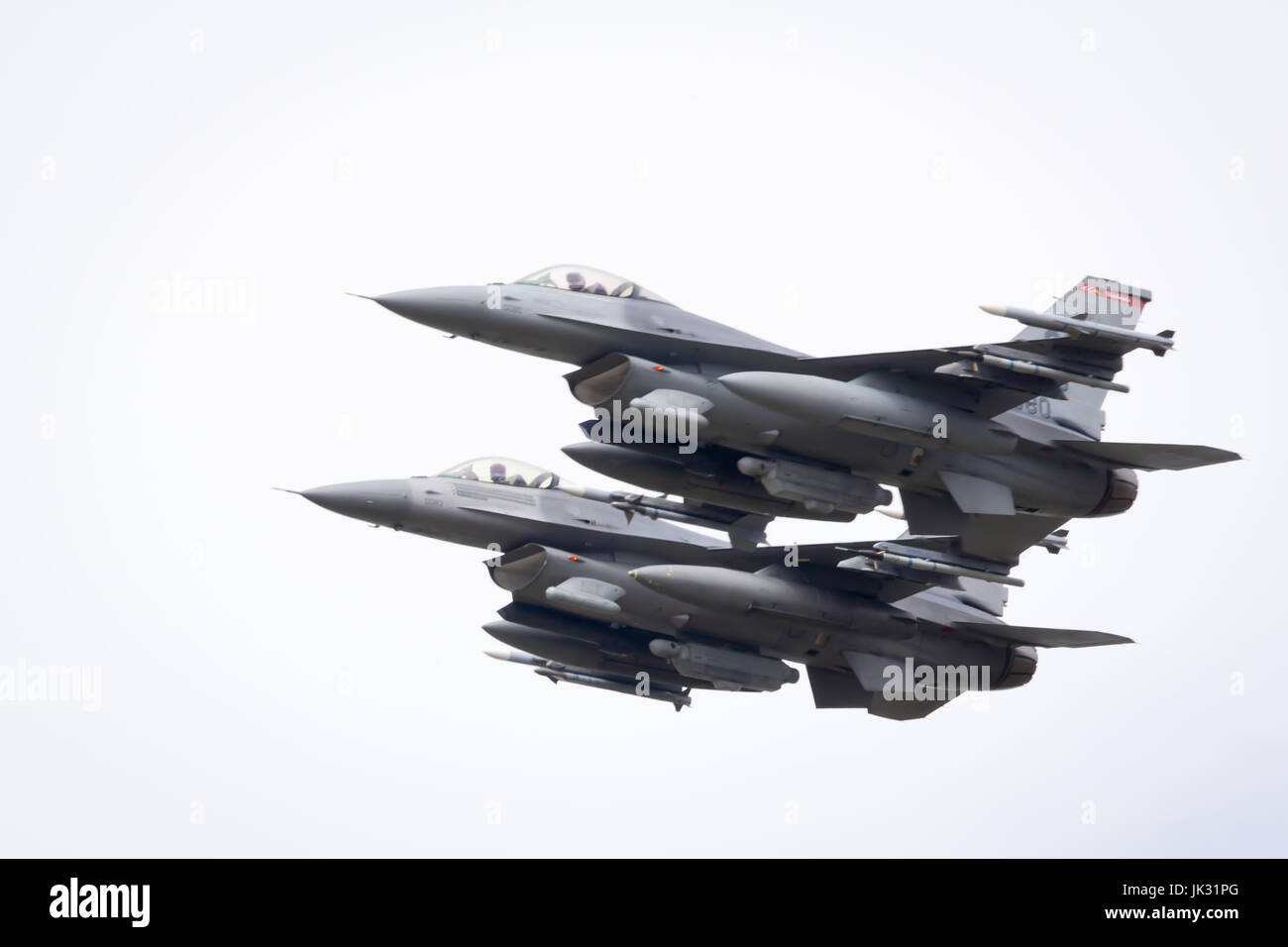 US Air Force Lockheed Martin F-16 Fighting Falcon flypast at Fairford International Air Tattoo 2017 - Stock Image