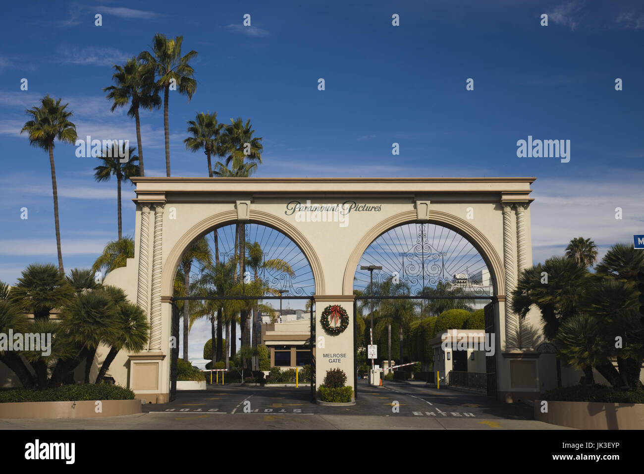 USA, California, Los Angeles, Hollywood, entrance gate to Paramount Studios on Melrose Avenue Stock Photo
