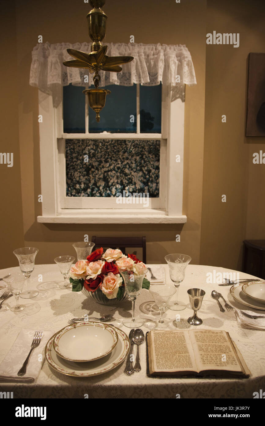 USA, Mississippi, Utica, Henry Jacobs Camp, Museum of the Southern Jewish Experience, seder table display with cotton - Stock Image