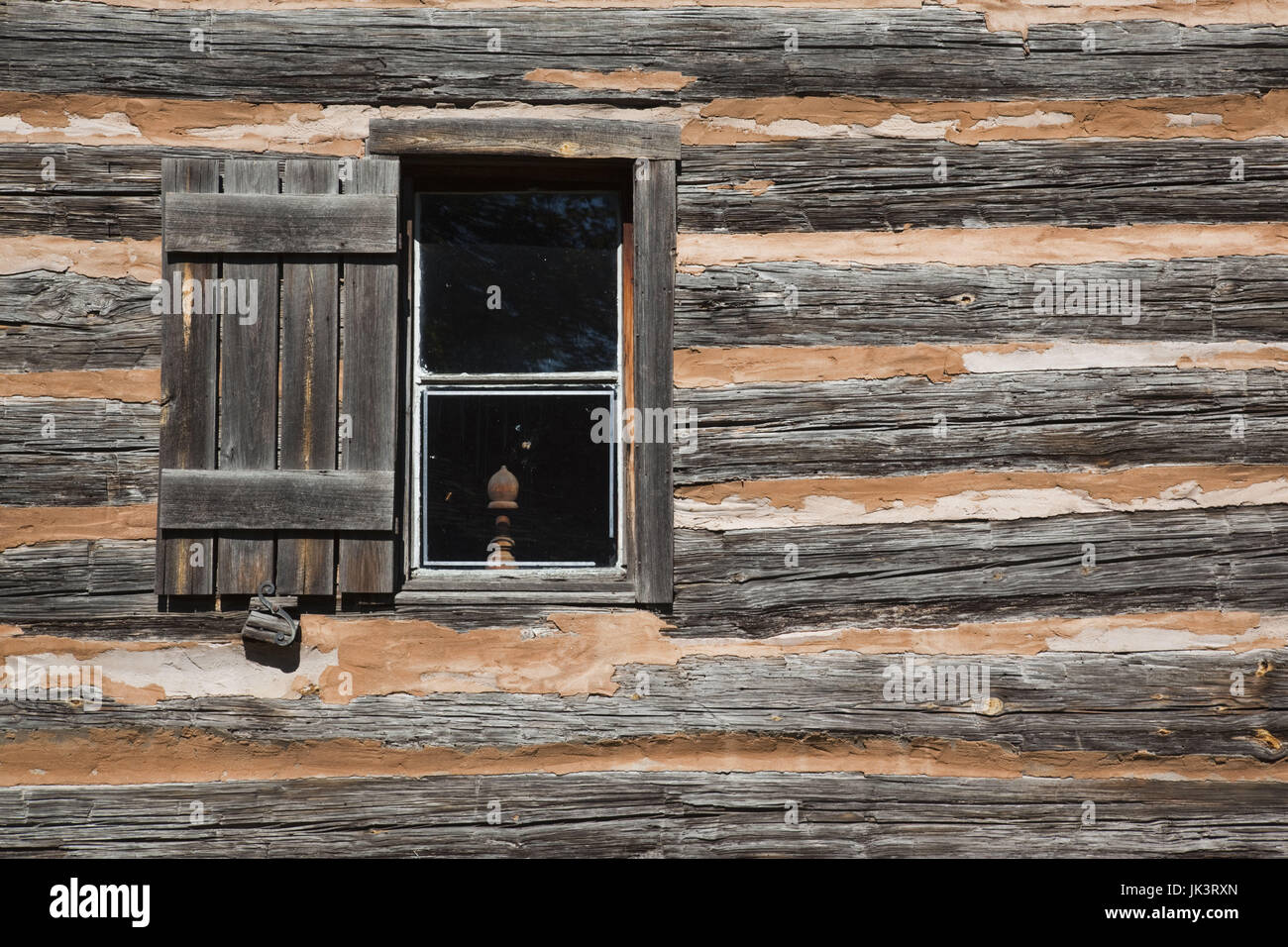 USA, Alabama, Montgomery, Old Alabama Town, Shotgun House, log cabin, exterior - Stock Image