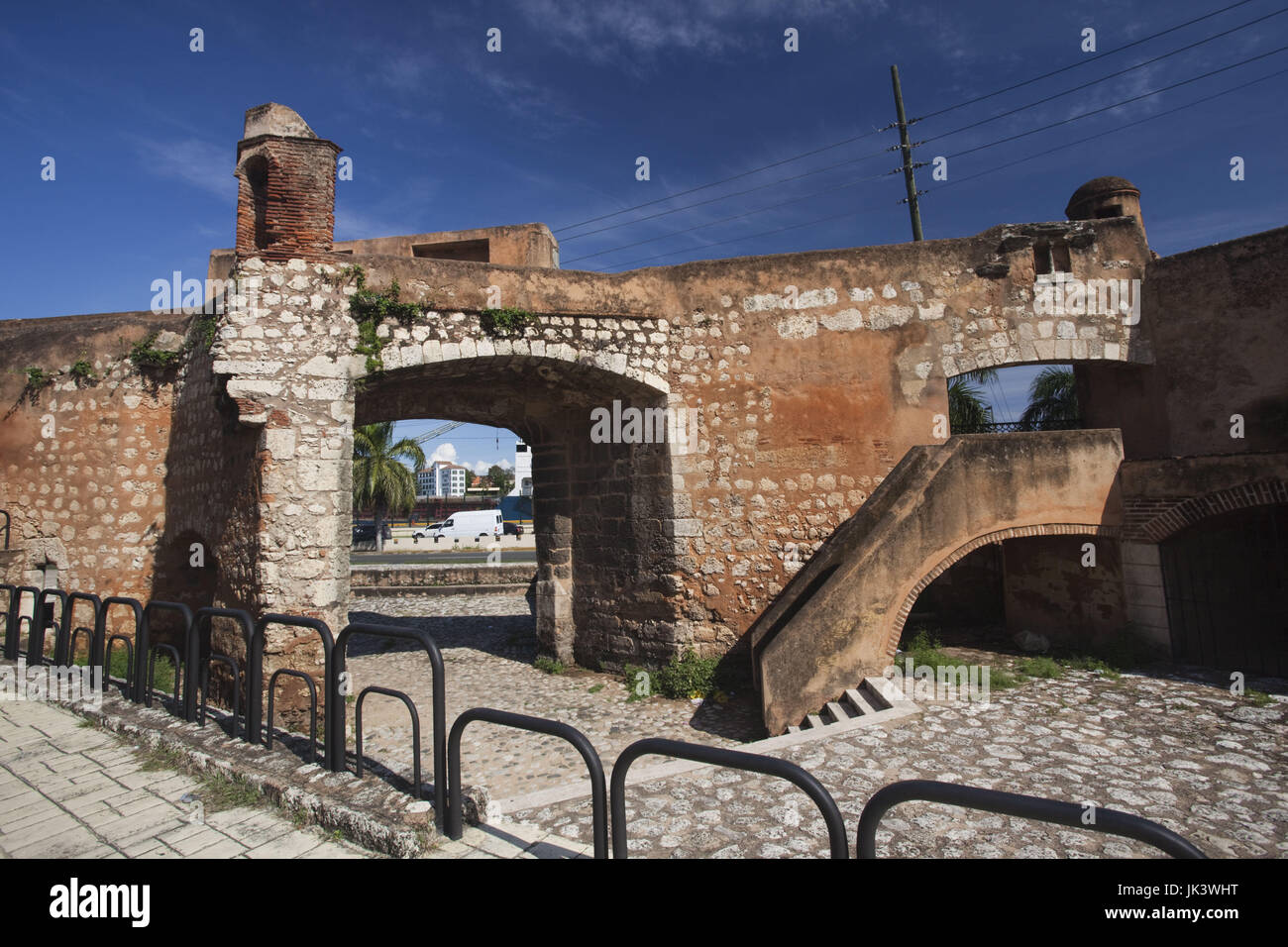 Dominican Republic, Santo Domingo, Zona Colonial, Puerta de San Diego, main entry gate into the old city, b.1571 - Stock Image