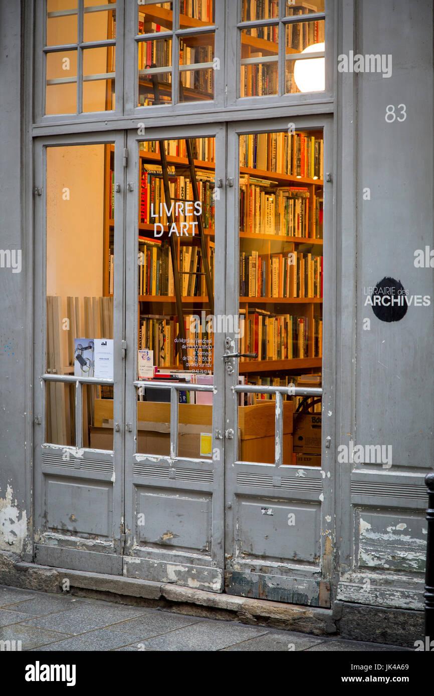 Livres d'Art - Bookstore in Les Marais district of Paris France Stock Photo