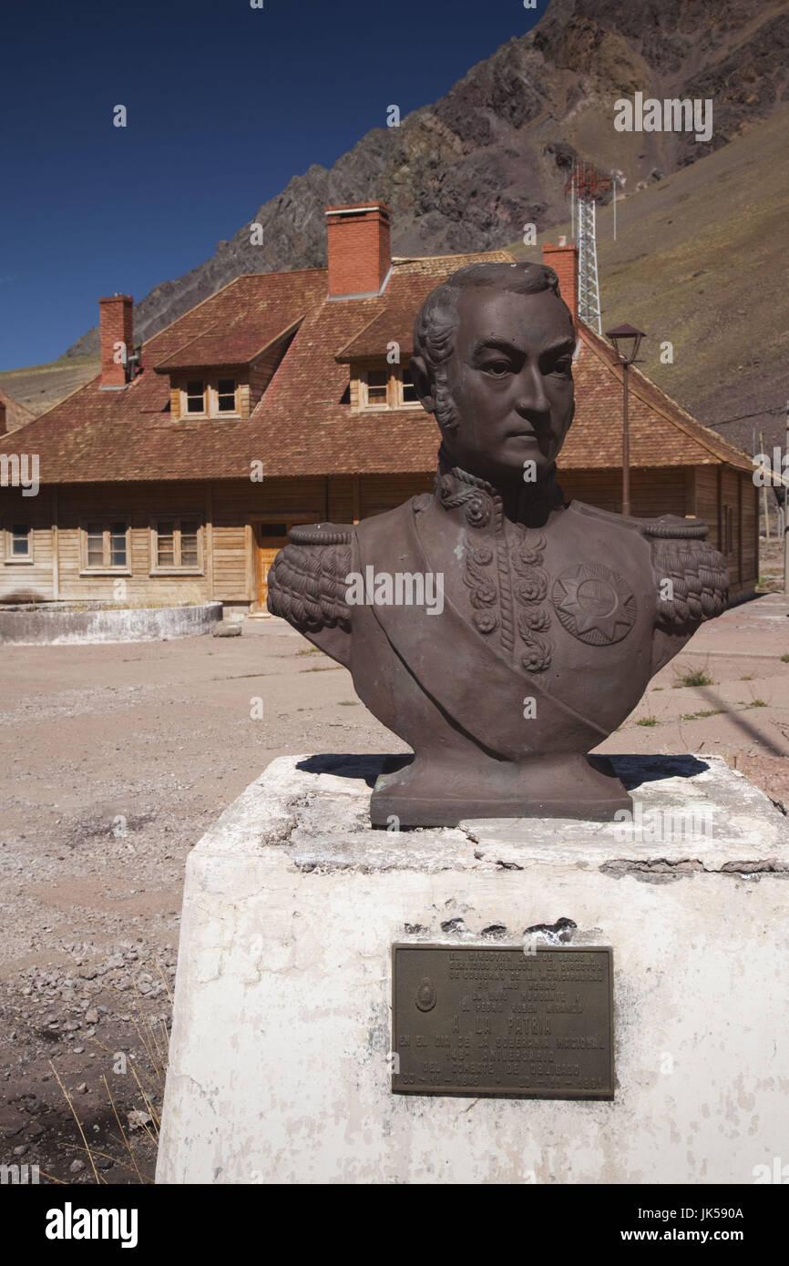 Argentina, Mendoza Province, Las Cuevas, bust of General San Martin - Stock Image