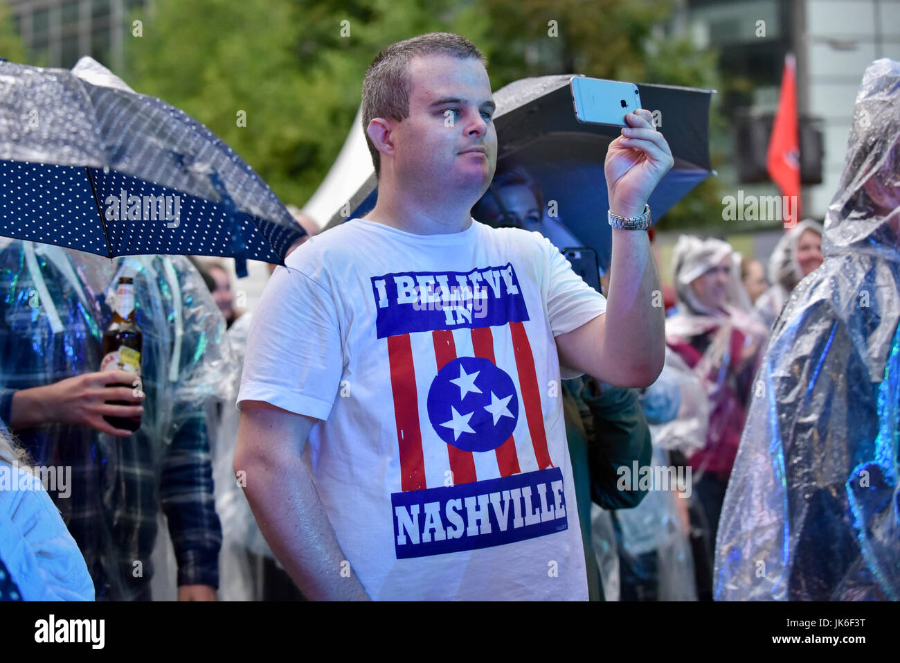 London, UK.  22 July 2017. A fan enjoys the performance on stage.  'Nashville Meets London', a country music - Stock Image