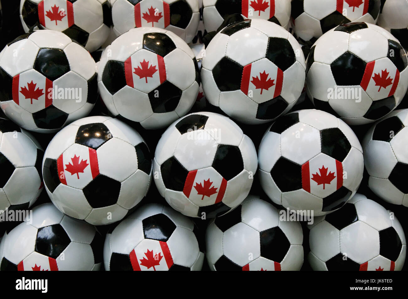 Kanada, Alberta, Edmonton, West  Edmonton Mall, Fußbälle, kanadische  Nationalwappen, Detail Nordamerika, - Stock Image
