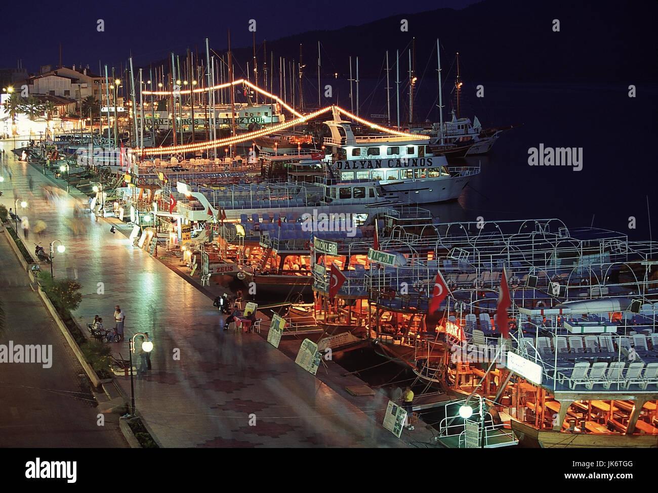 Türkei, Provinz Mugla, Marmaris,  Hafen, Uferpromenade 'Kordon', Charter-Boote, Nacht Ägäisches - Stock Image