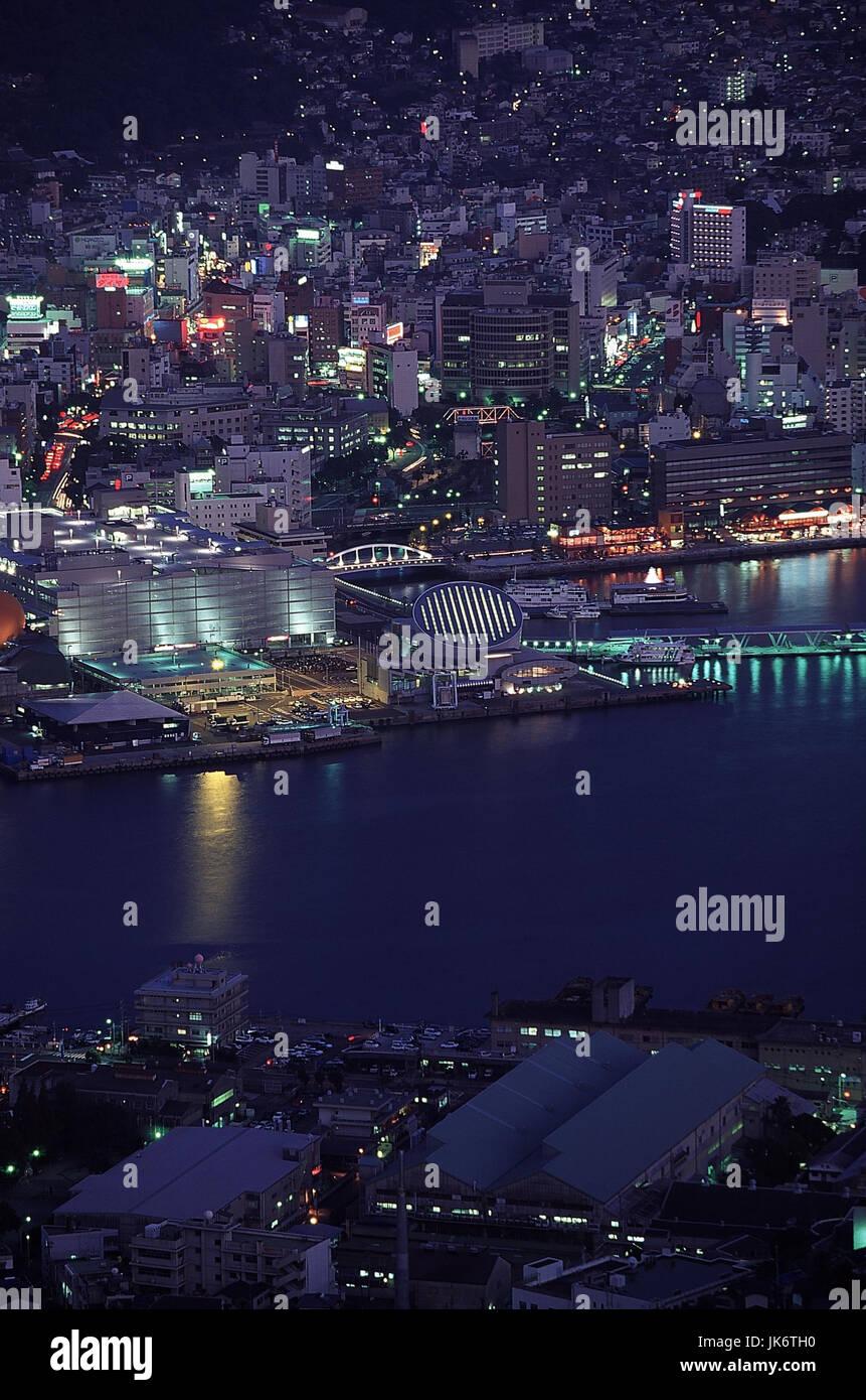 Japan, Kyushu, Nagasaki, Zentrum, Hafen, Stadtübersicht, Abend  Stadt, Nagasaki-ken, Blick von Mount Inasa, - Stock Image